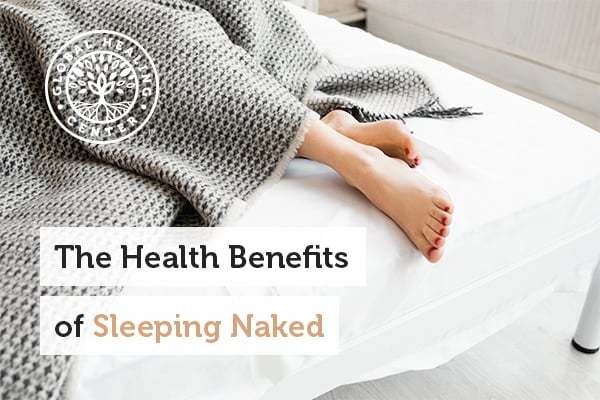 benefits-of-sleeping-naked