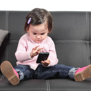 baby-cellphone