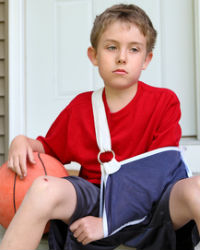 boy-with-fractured-arm