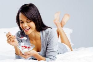 eating-yogurt
