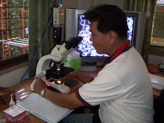 live_blood_analysis_student_02