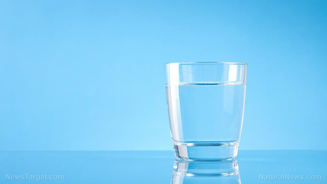 Glass-Table-Water-Background-Beverage-Celebration-Clean
