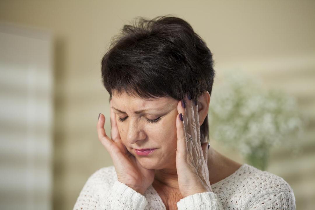 Headache-Woman-Annoyed