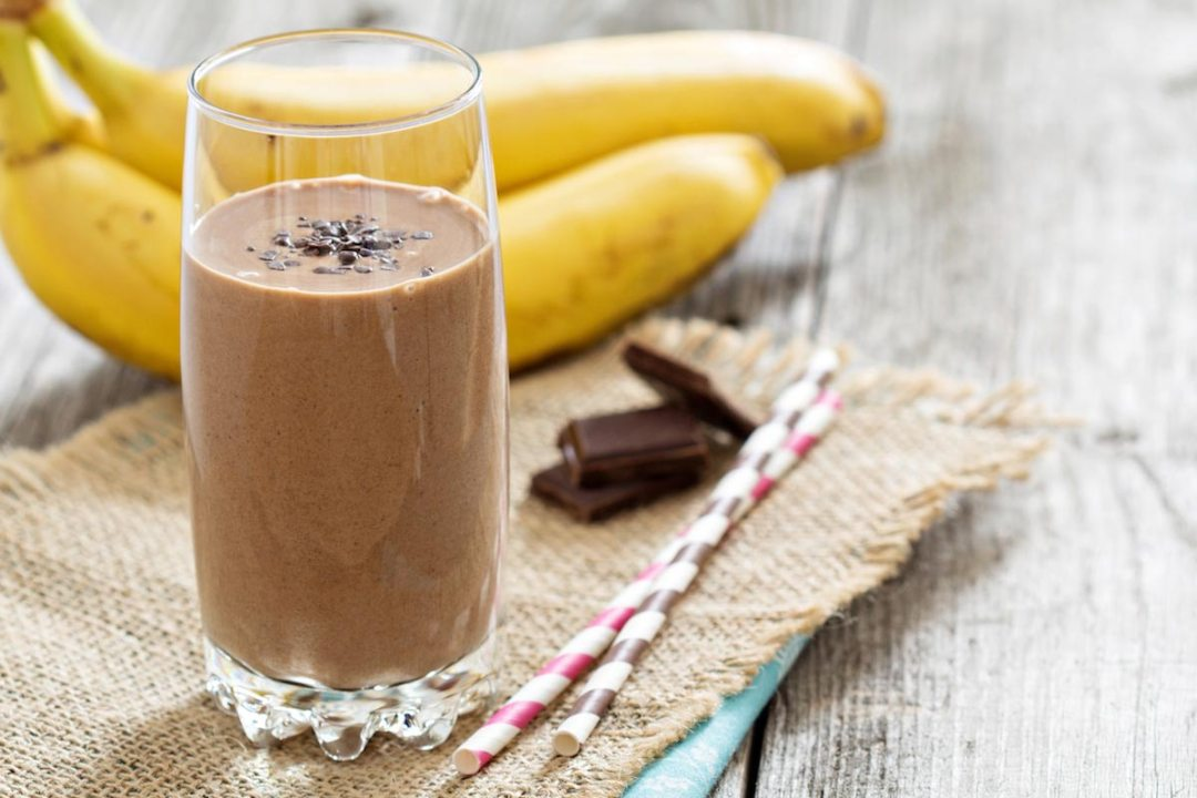 Chocolate-Drink-Bananas-Smoothie-Protein-Shake