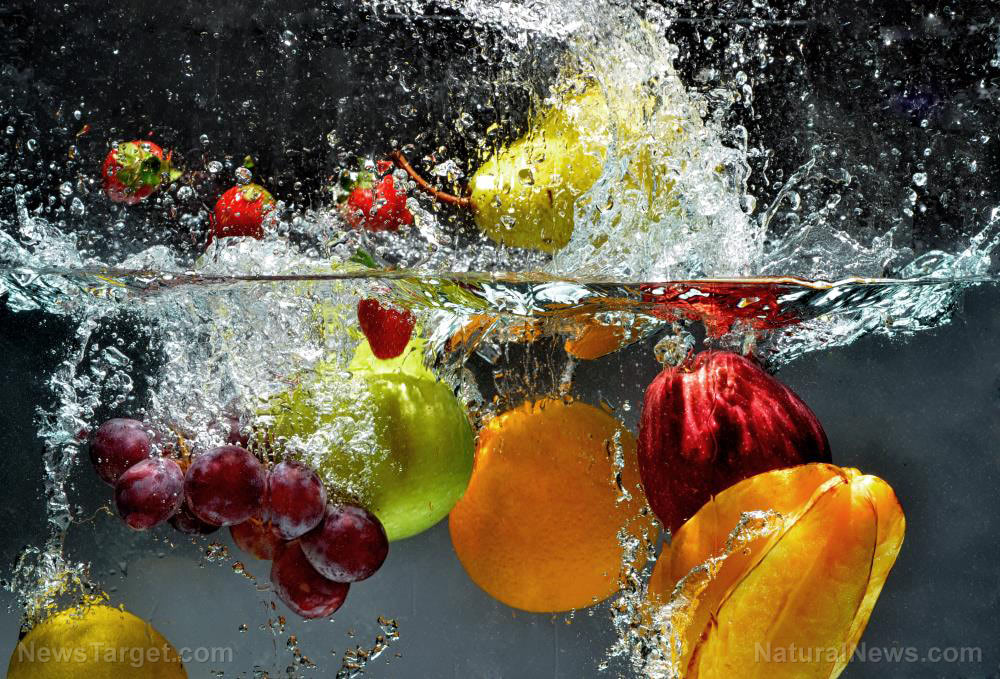Fruit-Fresh-Water-Food-Splash-Nature-Healthy