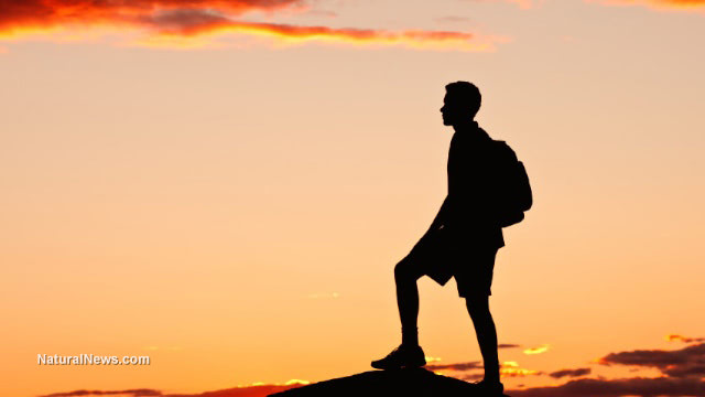 Hiker-Survival-Hiking-Boy-Teenager-Lost