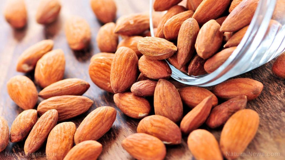 Raw-Almonds-Nuts-Spill