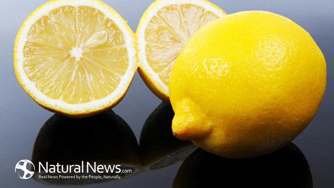 Sliced-Whole-Lemons-Fruit-650X433