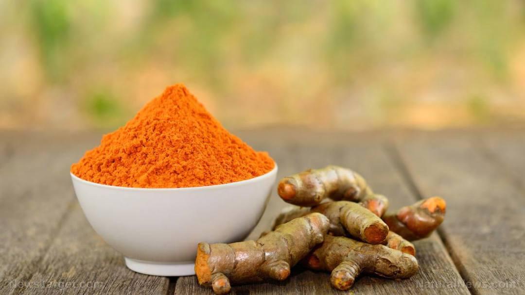 Turmeric-Powder-Root-Table