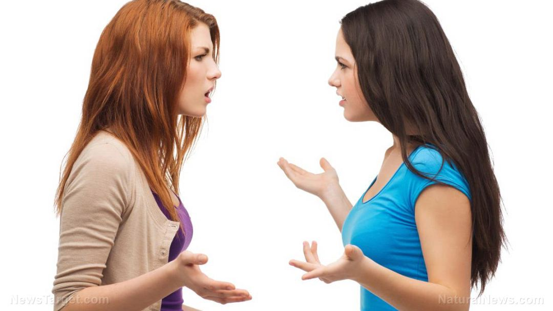Women-Arguing-Disagreement