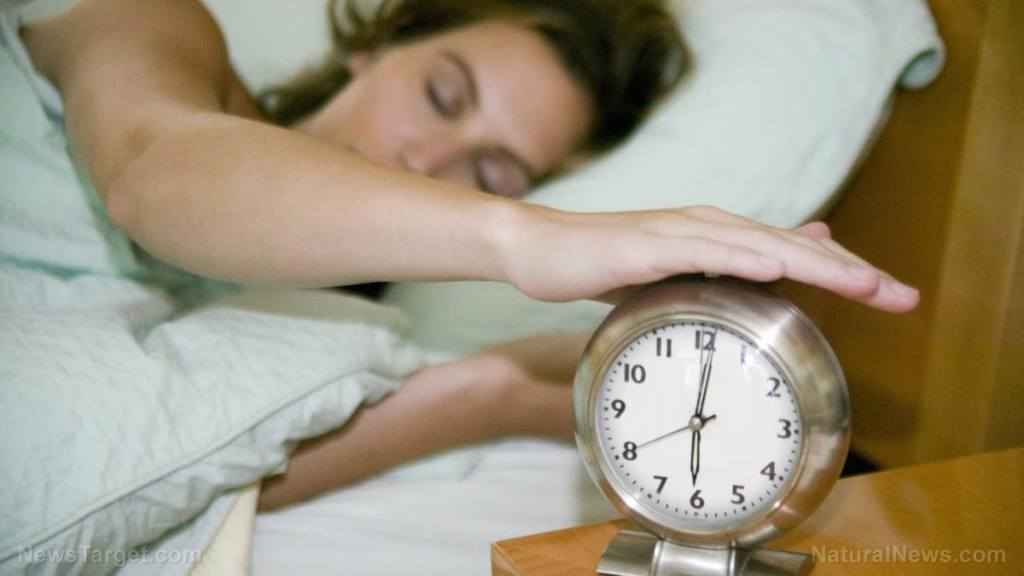 More sleep equals fewer calories: Research shows sleeping longer supports a healthier diet