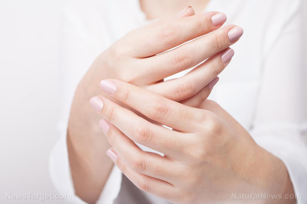 Cold to the touch: 8 Causes of cold fingers
