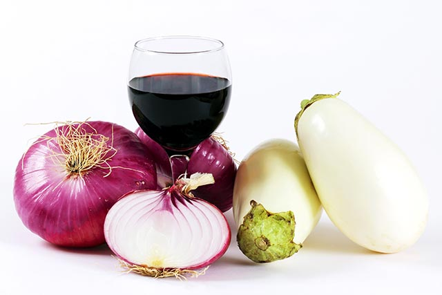 Red wine and onions? This unusual combination offers potent cardioprotective benefits