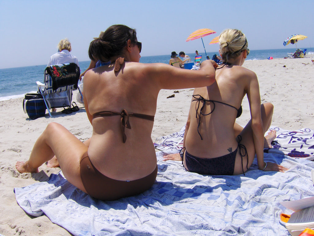 Chemicals in regular sunscreen can accumulate in the blood over time, warn scientists