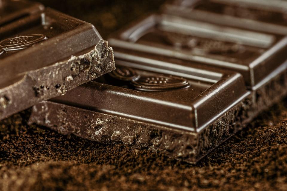 Here are 7 reasons to love dark chocolate
