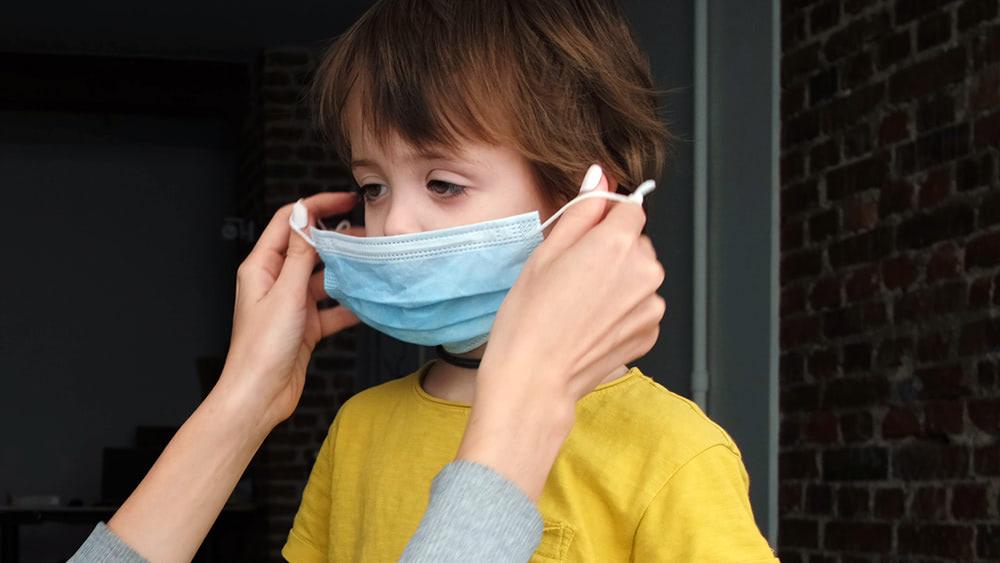 Studies highlight the dangers of face masks for children